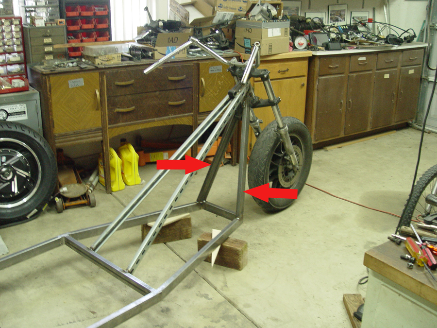 Photo of mounting front fork on trike