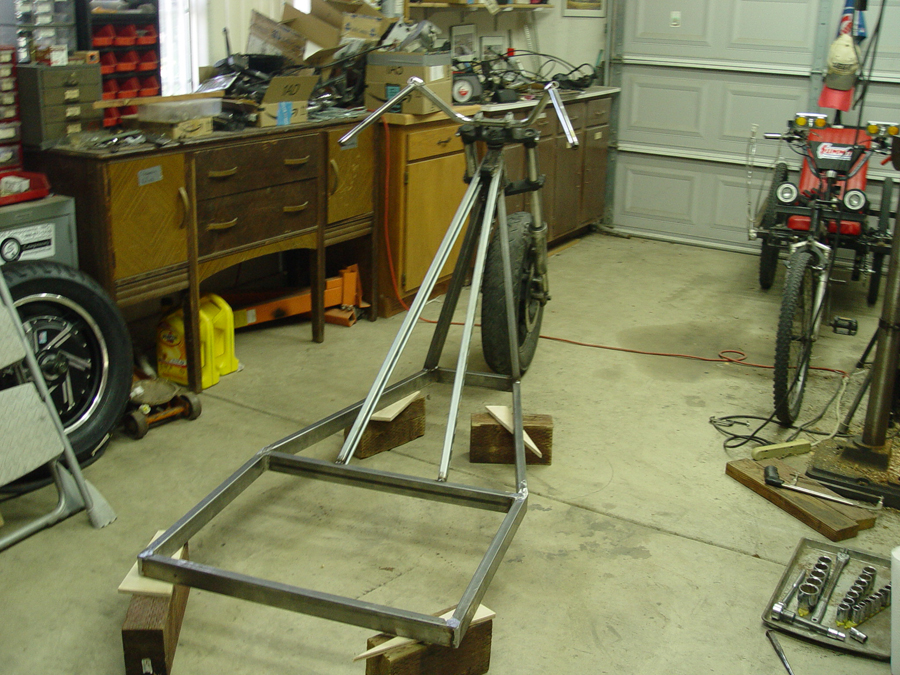 Photo of front fork mounting on chopper trike