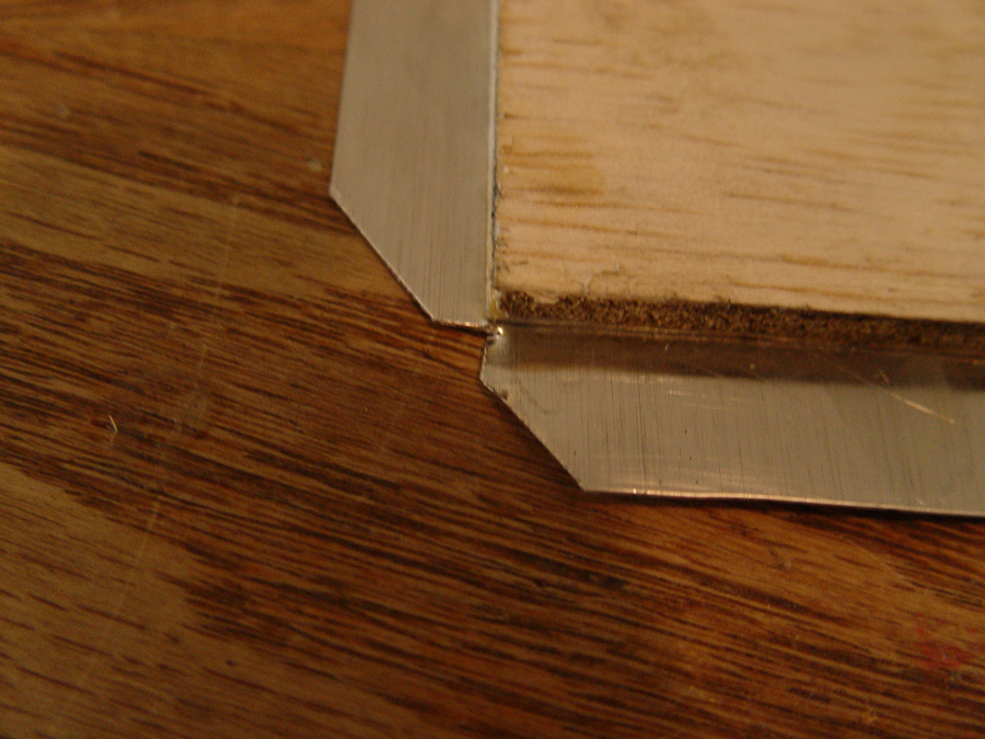 Photo showing how to cut outside corners